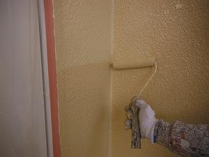 外壁の塗膜が浮いたり剥がれたりする原因と予防策